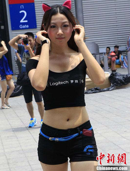 """ChinaJoy大展:""""游戏宝贝""""袒胸露臂晒清凉"""
