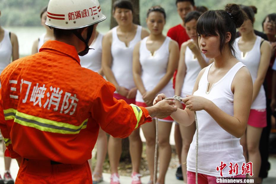 河南成立美女漂流救护队 中新网