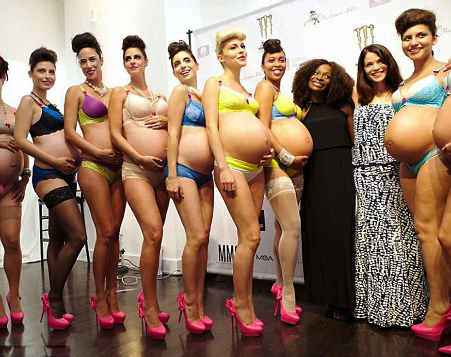 纽约内衣时装周 孕妈走秀性感无限
