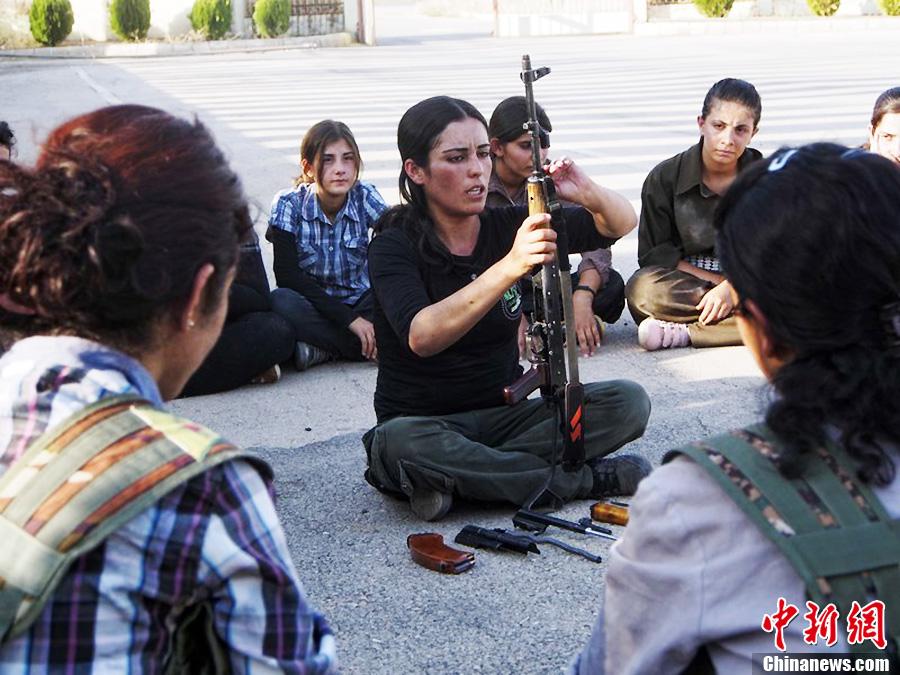 叙利亚库尔德女子加强防卫训练 中新网