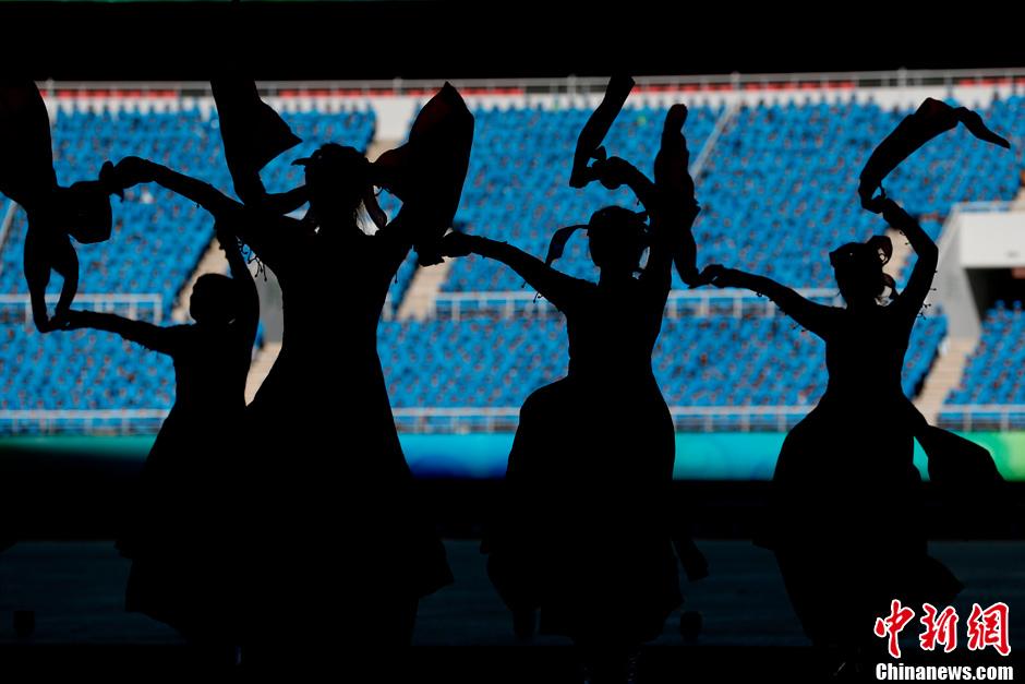 第十二届全国运动会开幕式前的舞蹈表演