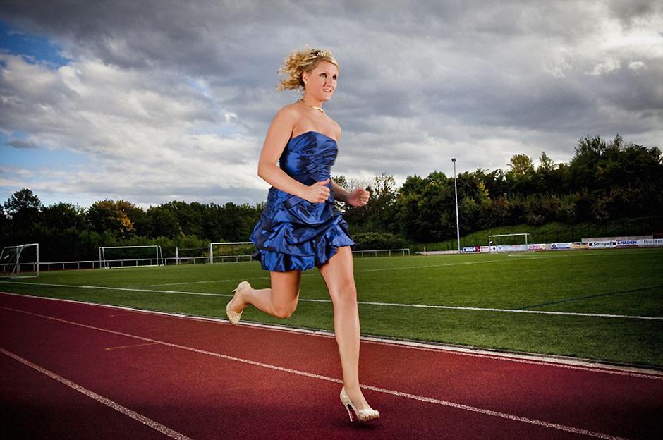 2014吉尼斯世界纪录大全--高跟鞋百米用时最