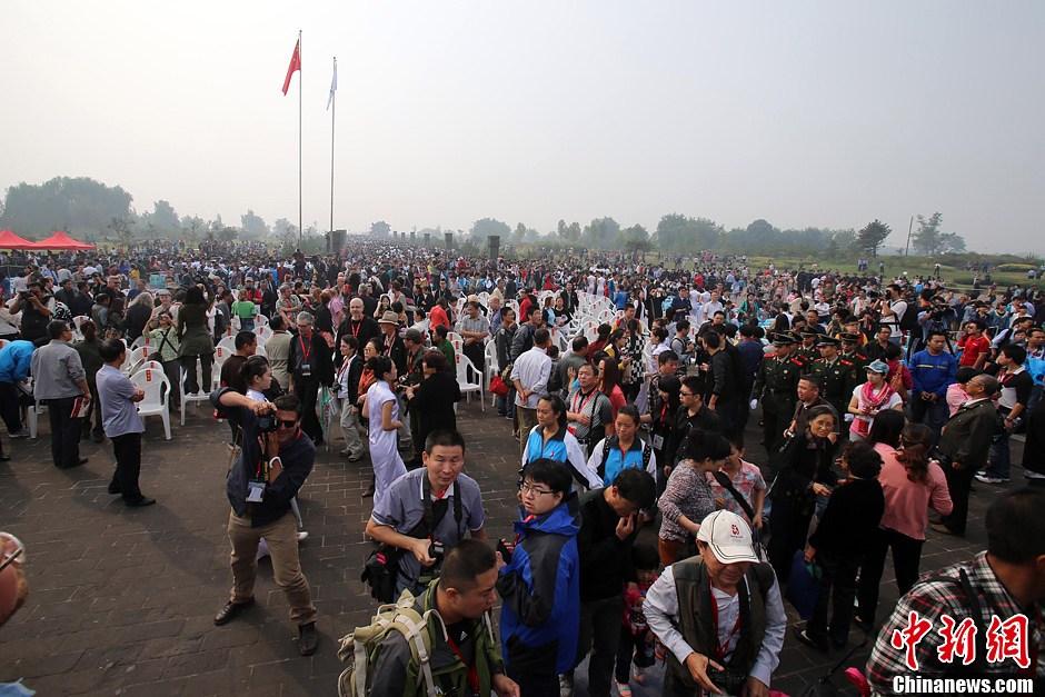 2013平遥国际摄影大展开幕 32国际摄影师集结展风采
