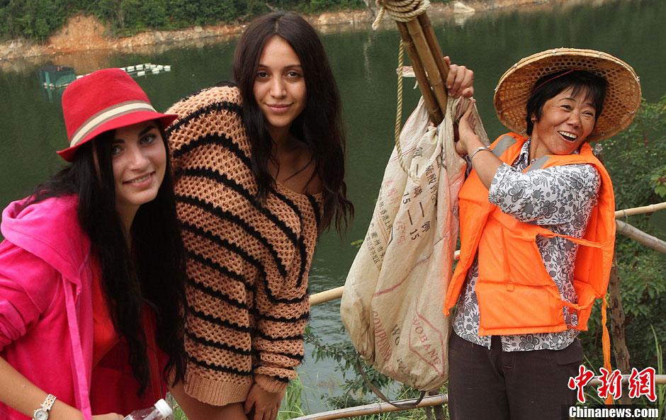 外国佳丽体验中国乡村生活