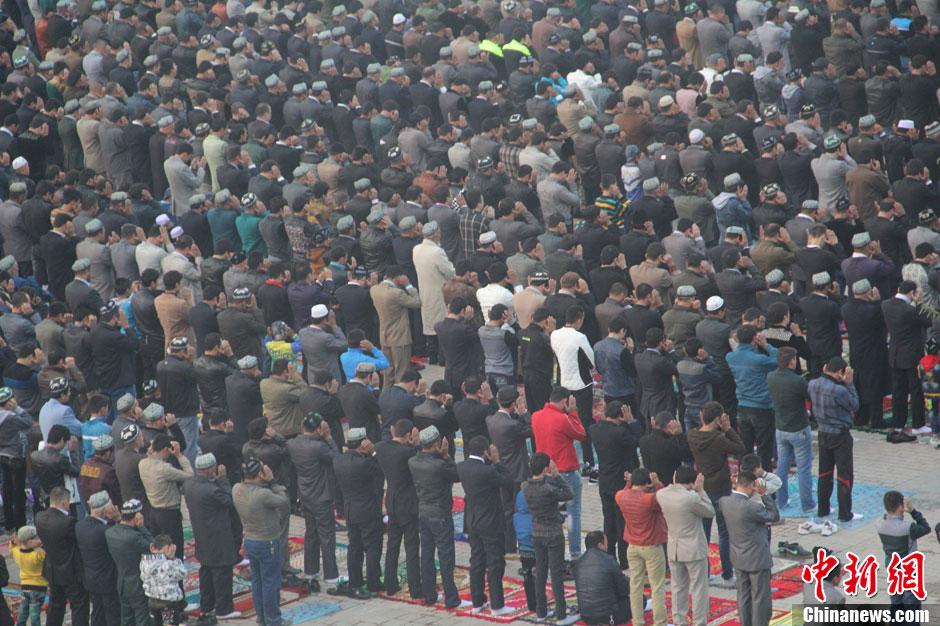 新疆穆斯林群众迎古尔邦节