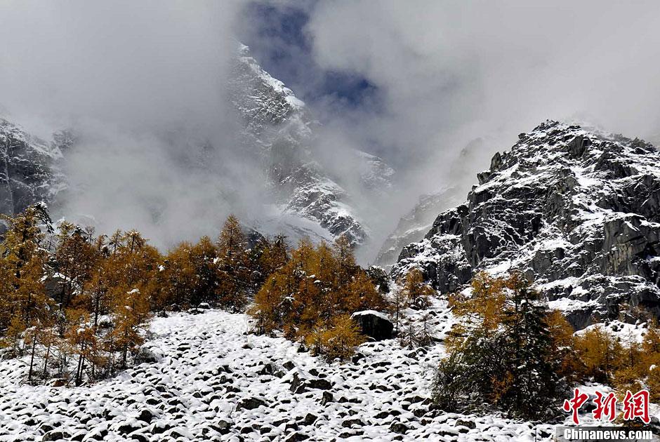 西藏林芝风暴美如画