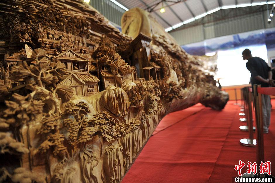 大型木雕作品《清明上河图》载入吉尼斯世界纪录