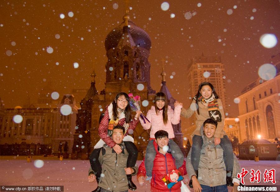 东北地区迎来今冬首场强降雪