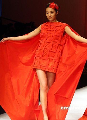 图:中国国际青年设计师时装作品丰富多采