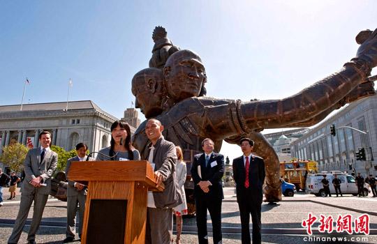 巨佛雕塑 三头六臂 落户美国旧金山