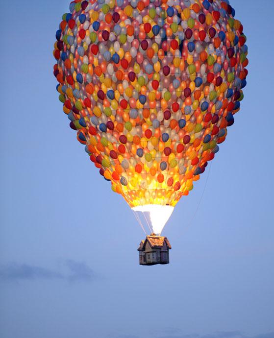 高清图:国际热气球节打扮多彩天空