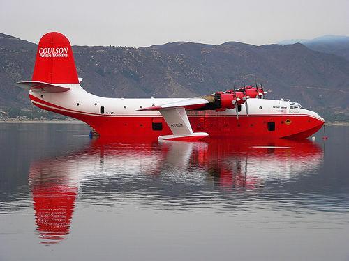 图集:美国派世界最大消防飞机灭火