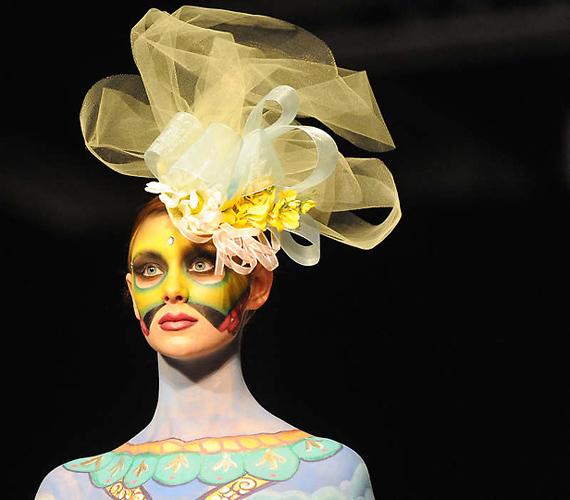 图片频道 美国大胆时装秀上演另类人体艺术