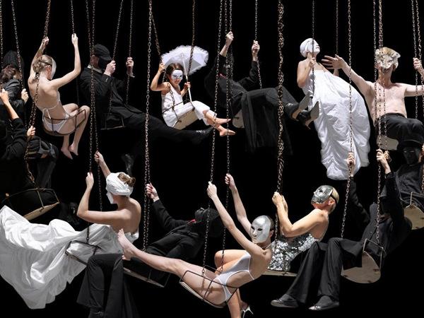 图片频道-艺术家打造诡异人体组合造型