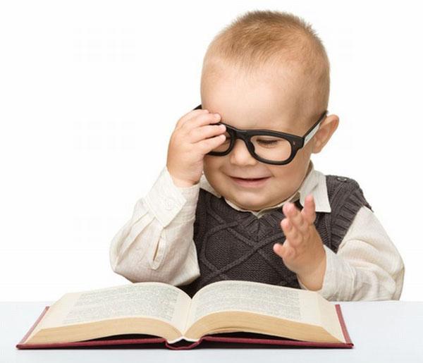 让我们看看怎么样能让宝贝儿们戴眼镜显得时尚又可爱,谁家的潮童,快来
