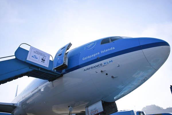 """美国一架小型 飞机 坠毁 一家6口人全部遇难 """"企业""""号航天 飞机 落户"""