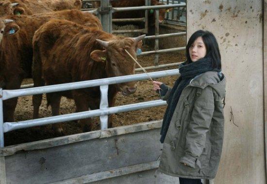 图片频道-韩国美女作家琴孝闵爆红网络清纯秒美女直播放屁图片