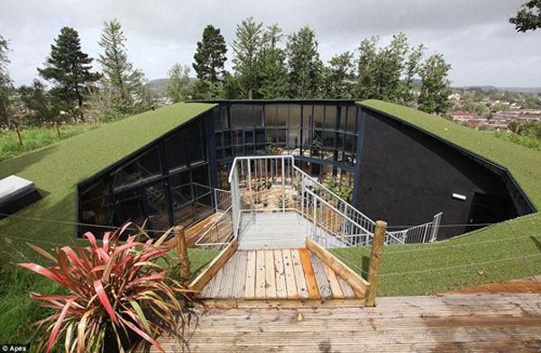 蓄水池改造成豪宅