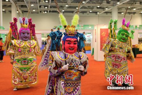 电音三太子热舞苏州传统文化创新引深思--中新