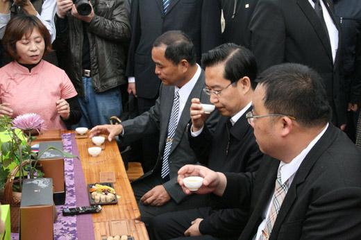 福建新闻网·苏树林访台自称新客家人