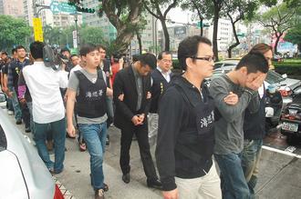 台北大扫黑逮捕74名帮派分子警方:不容黑道嚣张