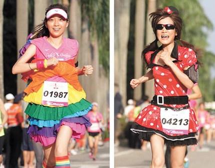 庆七夕万名女性跑马拉松台北街头靓丽如画(图)