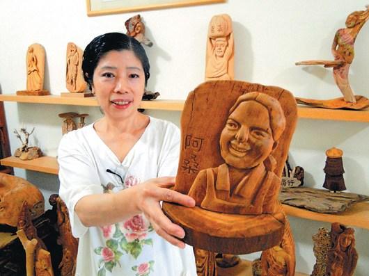 大陸新娘成雕刻師木頭上說台灣故事(圖)