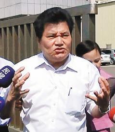"""台灣""""黑心油""""老闆被判16年財產賠消費者"""