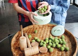 台东青梅上市清明节前最适合做脆梅(图)