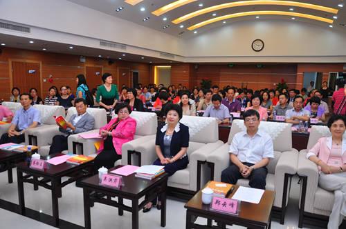 福建省妇联主席:两岸妇女共为实现中国梦而努力