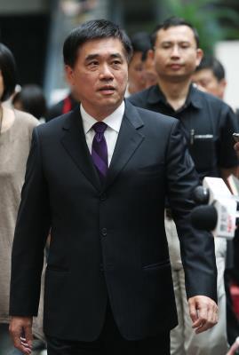 郝龙斌辞国民党副主席为台北败选负责
