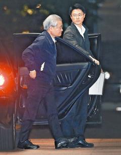 马英九让毛治国接掌台行政机构人事方面充分授权