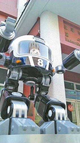 男子巧手打造超萌公仔 作品遍布全台湾