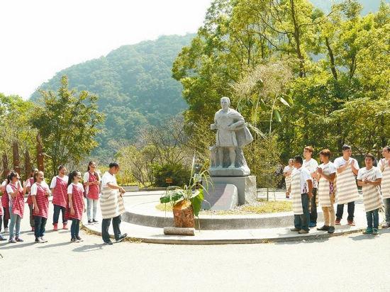 台湾太鲁阁人抗日英雄雕像设立族人盼找回英雄
