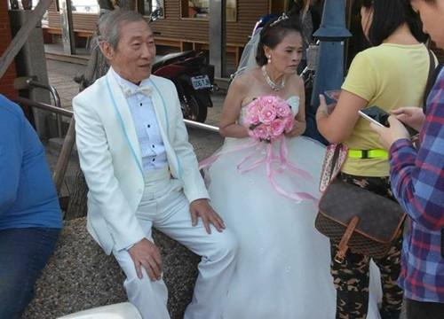 阿公阿嬷街头拍婚纱白头偕老的幸福感动网友(图)