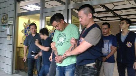 朋友遭人围殴受伤男子开枪吓跑对方被逮捕