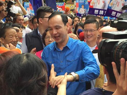 朱立伦回老家桃园称一定要当选台湾地区领导人