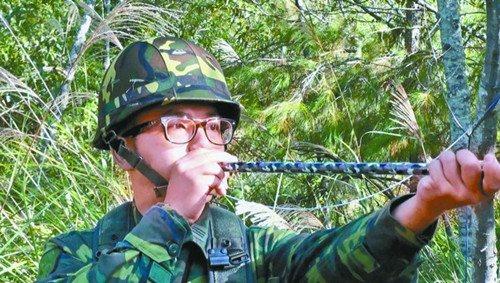 台军首次曝光山地幽灵部队装备自制弓箭吹针