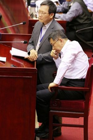 台北市府员工加班频繁离婚率高柯文哲:做问卷调查