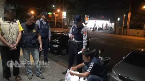 台湾通缉犯以网吧为家 遭警察盘查时装失忆被识破