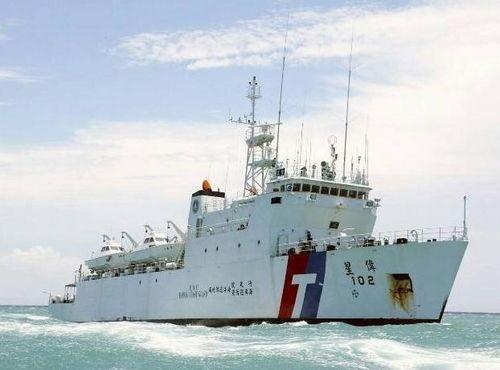 台湾伟星舰12日晚间抵达太平岛周边海域执勤(图)