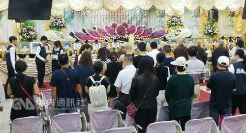 """台湾游览车事故罹难者""""头七""""部分遗体今火化"""