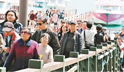 陆客人数持续减少台当局拿3亿补贴民众岛内旅游