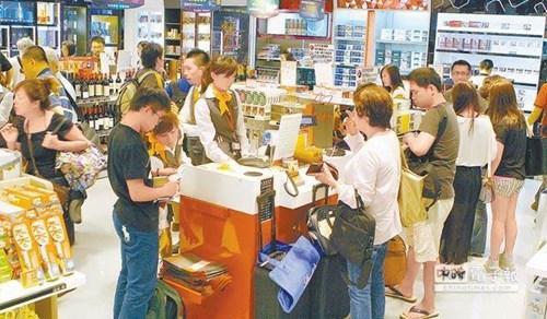 台旅游业者:蔡当局对大陆游客别边说欢迎边严审