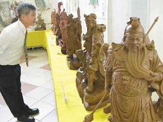 台南举办关公文化节 关公木雕神采奕奕(图)