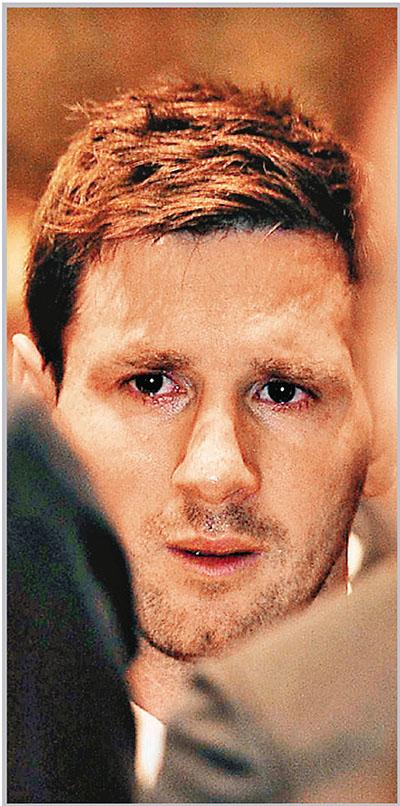 1500名体坛人士送别比拉诺瓦 梅西伤心落泪(图)图片
