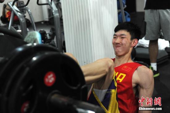 周琦近日赴美特训或参加选秀中国男篮大力支持