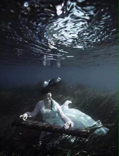 从学霸到美人鱼陆文婕在潜水中找到另一个自己