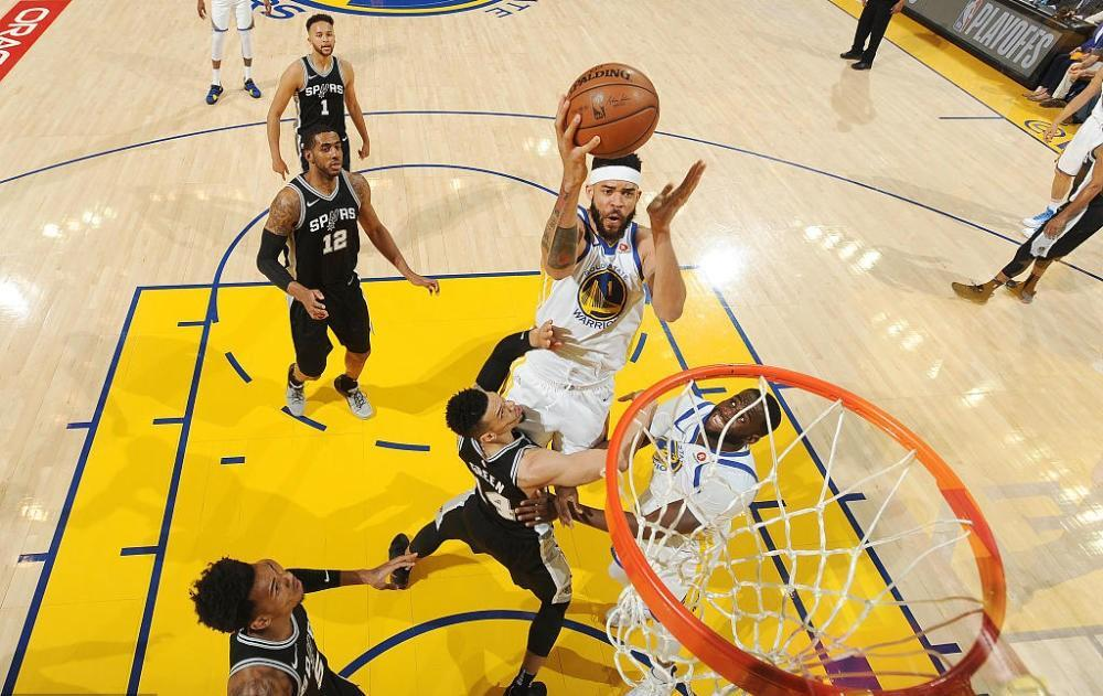 NBA季后赛扯去温情面纱 不同球队演绎不同精彩