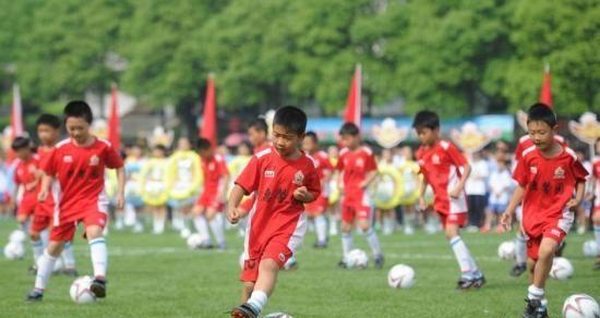 让孩子养成运动习惯 青少年才是体育产业核心力量
